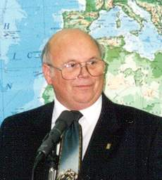 Don Fairholm becomes FEBCanada chairman in 1998.